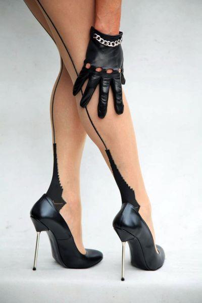 Sehr hohe schwarze Leder High Heels mit Stiletto Metallabsatz