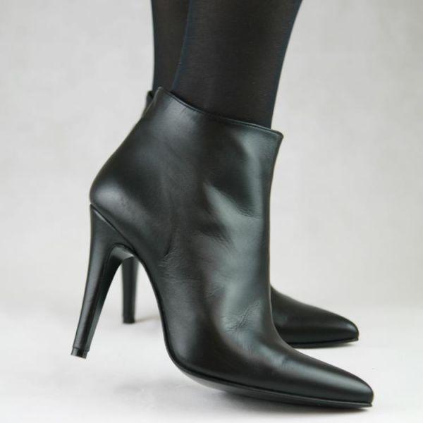 High Heel Stiefelette in schwarz Leder