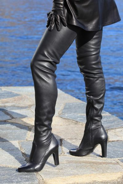 Extralanger Overknee Stiefel aus echtem Nappa Stretchleder -  MICELI-Made in Italy