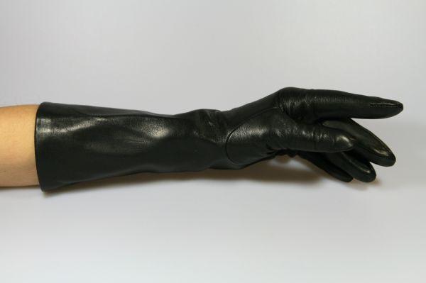 Schwarze unterarmlange Lederhandschuhe mit Seidenfutter