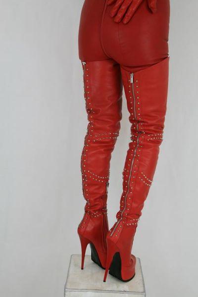 Maßgefertigte Overknee Plateau Lederstiefel mit Nieten hinten RED Calzature - Made in Italy