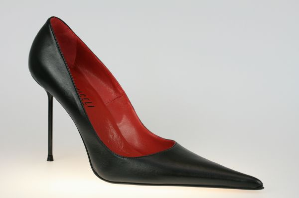 Exclusiver italienischer Designer-Pumps in schwarz Leder