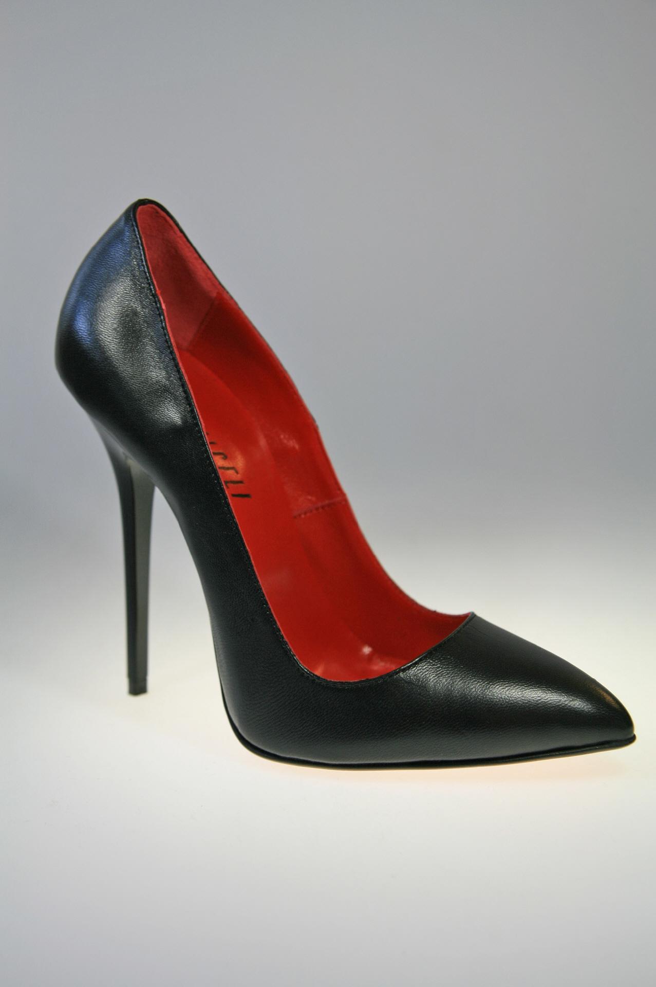 miceli pumps schwarz leder mit 13 cm high heels absatz. Black Bedroom Furniture Sets. Home Design Ideas